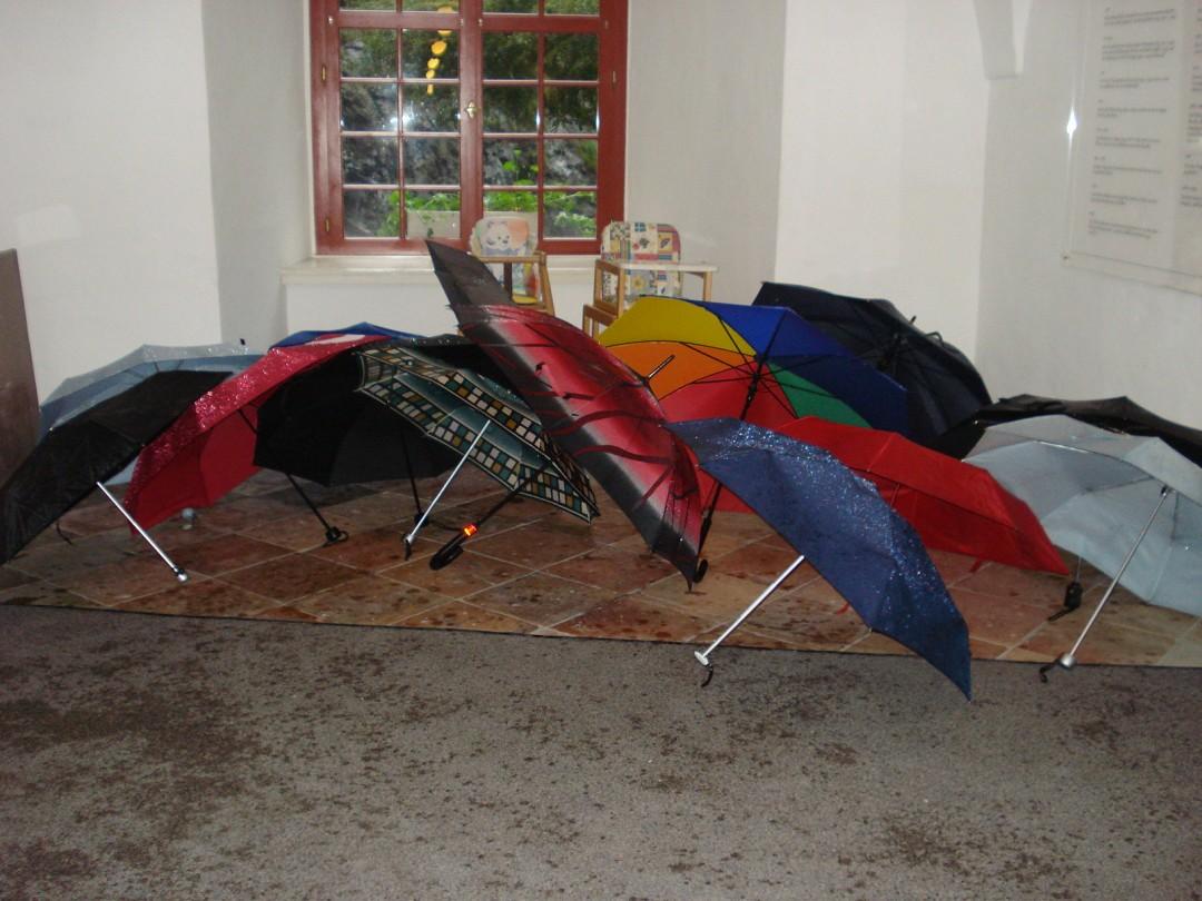Nasse Schirme